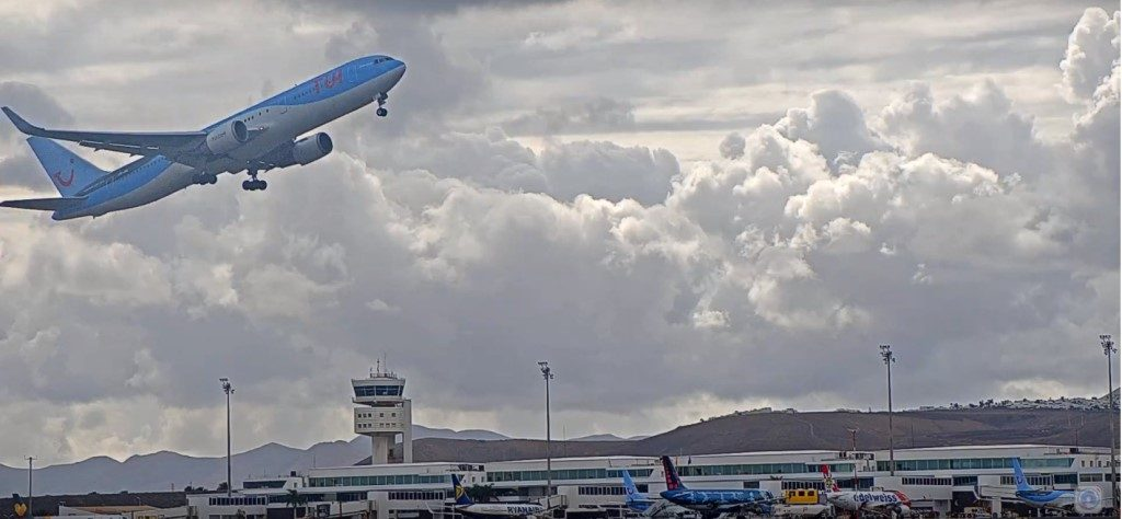 Lanzarote Airport Live Stream